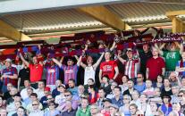 JJK - yleisöä kesän 2012 euro-ottelussa