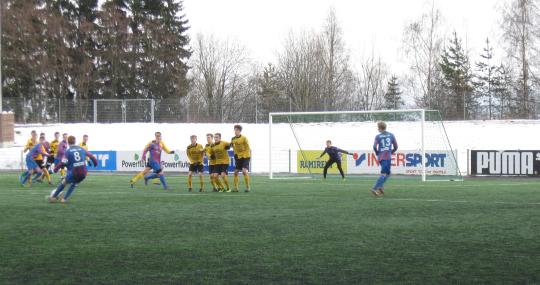 Joukkueen kapteeni Tuomas Koppelomäki oli alati vaarallinen viimeistellen myös 1-1 tasoituksen Ketuille.